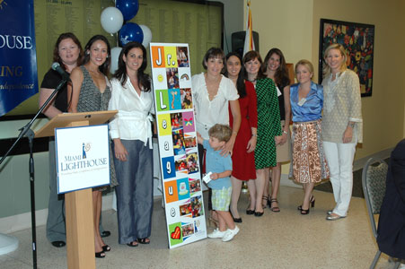 Members of the Junior League of Miami receive recognition as 2009 Miami Lighthouse Volunteers of the Year.
